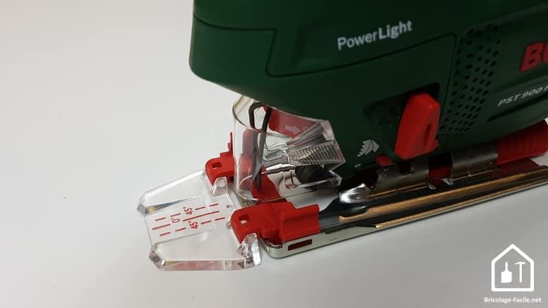 scie sauteuse PST 900 de Bosch - capot et guide