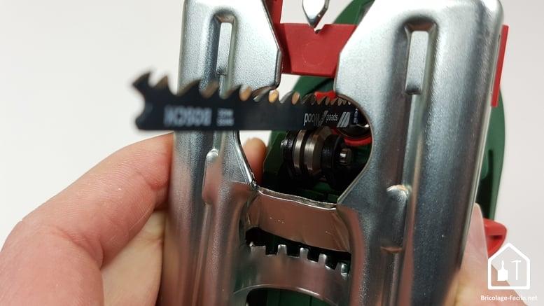 scie sauteuse PST 900 de Bosch - vue du dessous