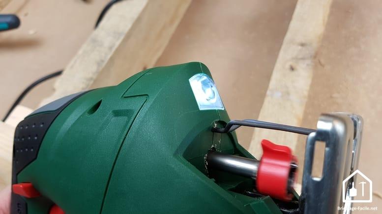 scie sauteuse PST 900 de Bosch - LED