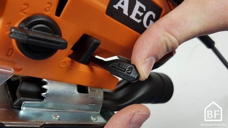 Scie Sauteuse STEP 100X de AEG - réglage de la coupe en biais