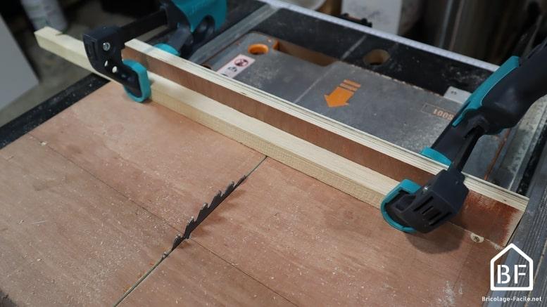 Utilisation d'un traineau de scie sur table