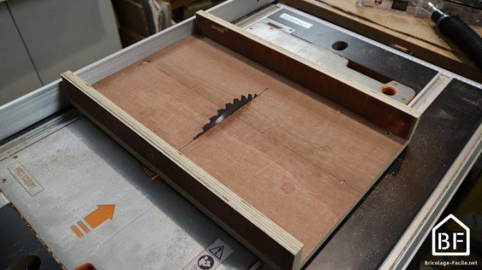 traineau de scie sur table