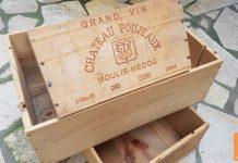 Des caisses de vin en bois