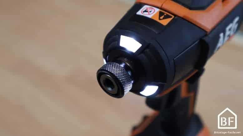 LED de la visseuse à choc AEG BSS 18B6