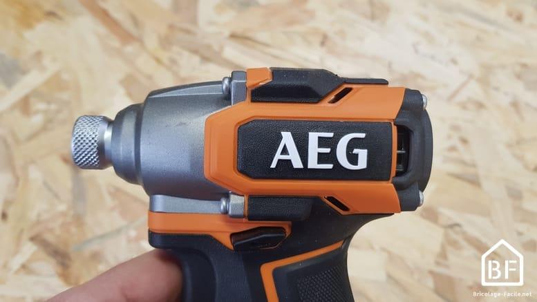 longueur de la visseuse à choc AEG