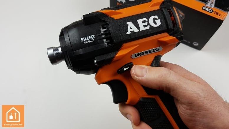 Visseuse à chocs sans fil BSS 180P de AEG - boutons