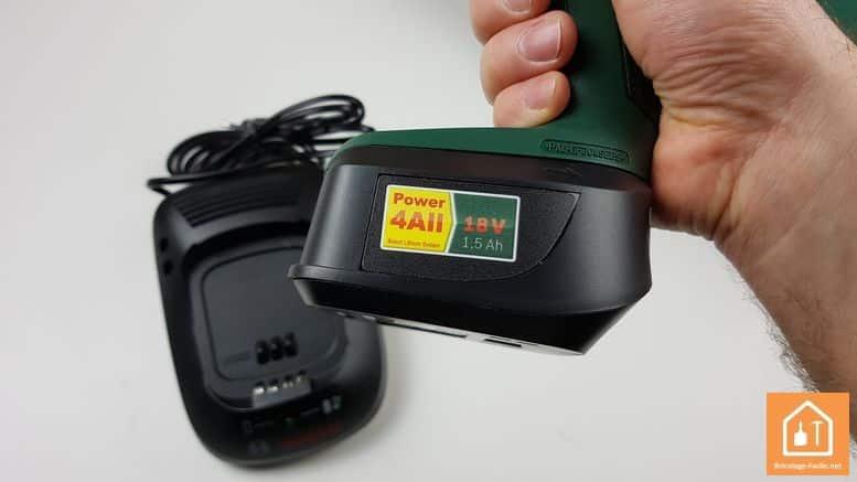 Visseuse à chocs sans fil PDR 18 LI de Bosch - La batterie